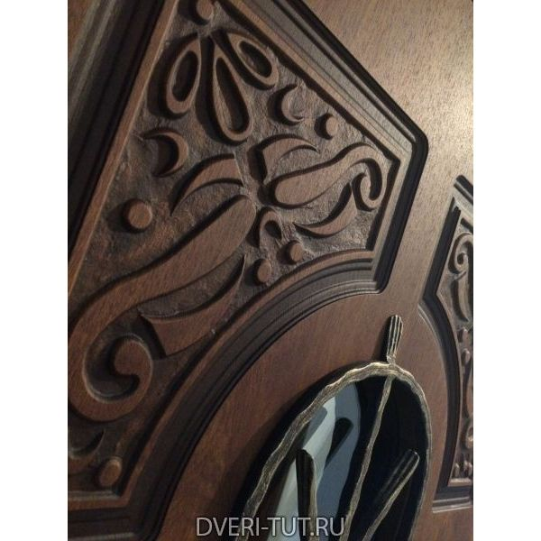 Входная металлическая дверь Русь с окном и ковкой