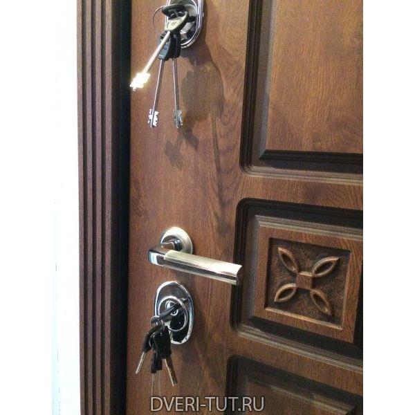 Дверь входная Elite (Элит) дуб золотой с патиной-ПВХ орех