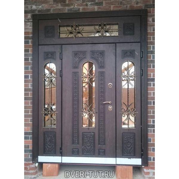 Двупольная дверь Русь с фрамугой и окном.